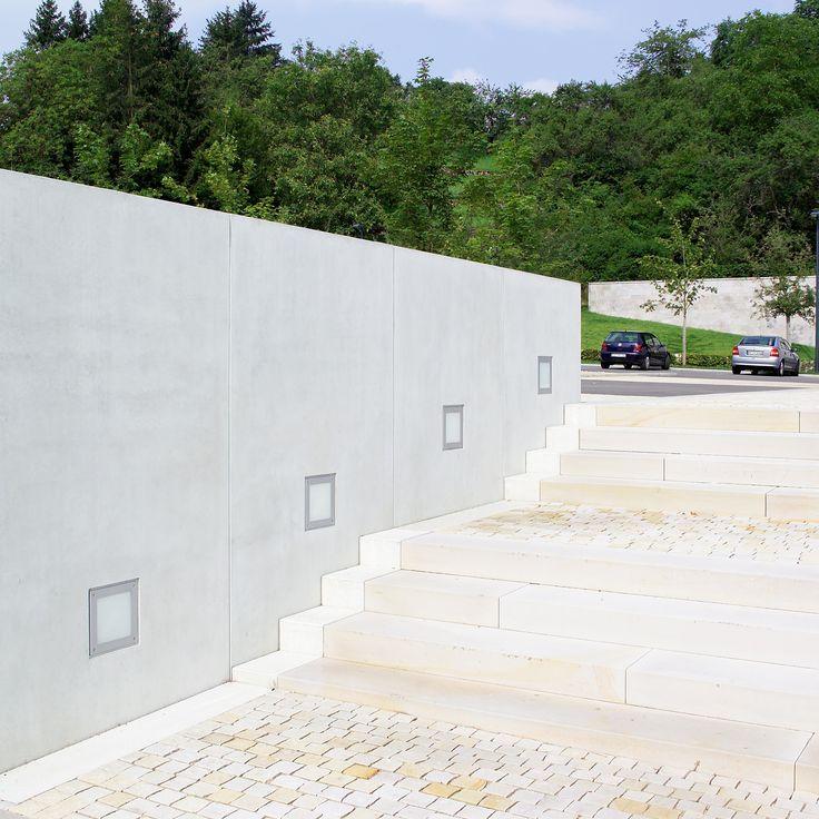 Wall recess light