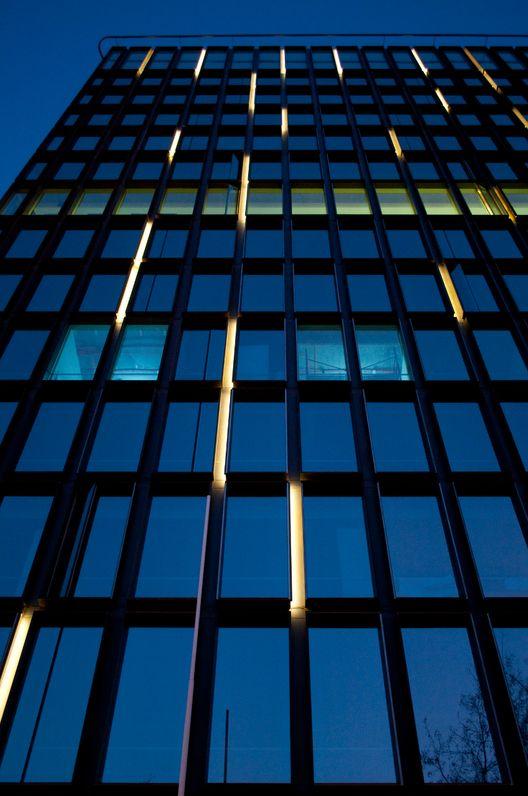 Edificio Plaza Bellet Facade Lighting