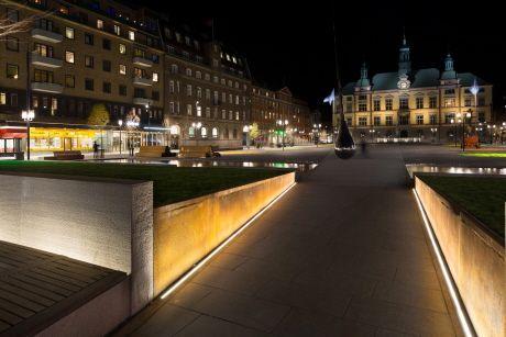 Linear Landscape Lighting